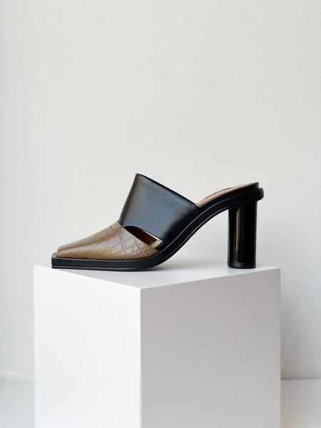 Reike Nen Side Slit Mules - Black/Taupe