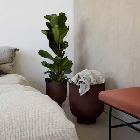House Doctor Vig small planter - burnt henna