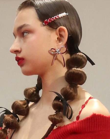 YVMIN Blood Bow Earrings - Silver