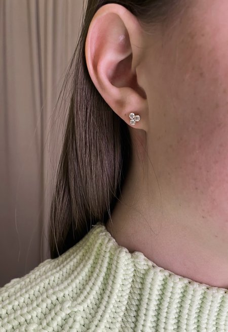 SS JEWELRY Solid 14K Gold Crystal Floret Stud
