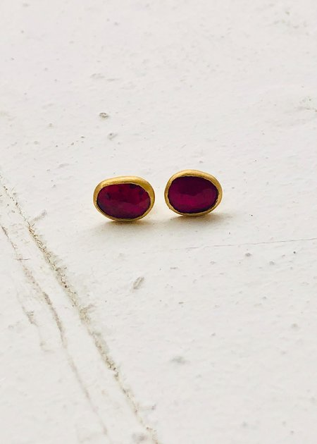 Agas & Tamar Sapphire Stud Earrings - 24K Gold