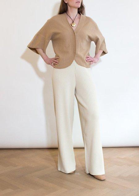 ÁERON Walzer Pleated Pants - Cream
