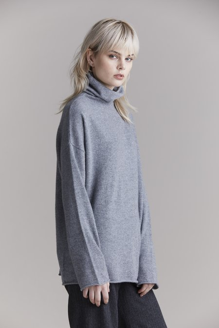 Laing Home Mara Cashmere Funnel Neck Top - Grey Marle