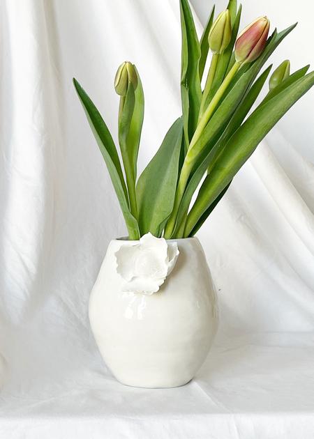 Dear You Ceramics Blossom #3 vase - white