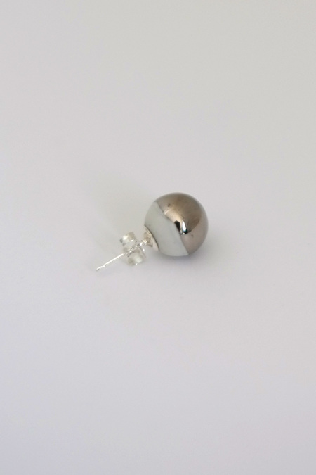 jujumade white gold ball earring