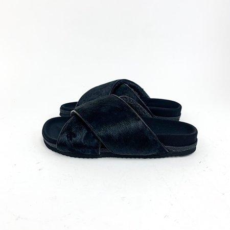 Roam Cross Sandal - Black