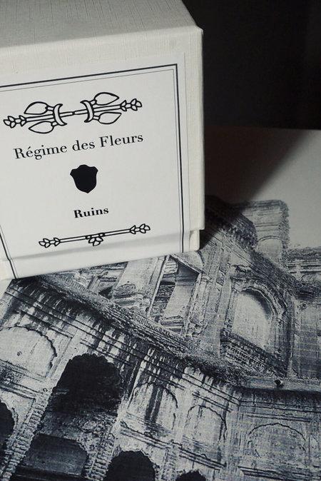 Régime Des Fleurs Ruins Perfumed Candle