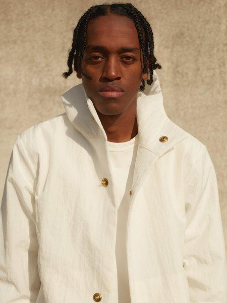 MAN-TLE R10 Nylon Snap Hood Jacket - White