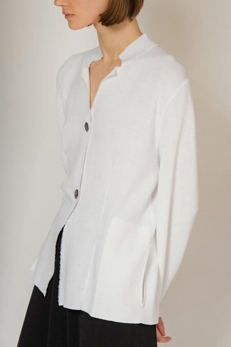 Oyuna swan sweater jacket - white