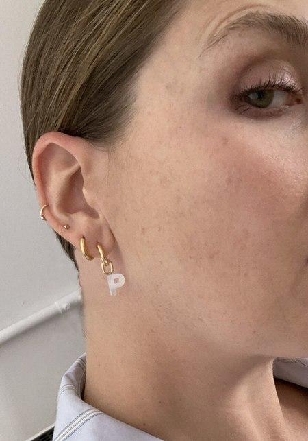 Maria Black Lucid Charm Letter Huggie earrings