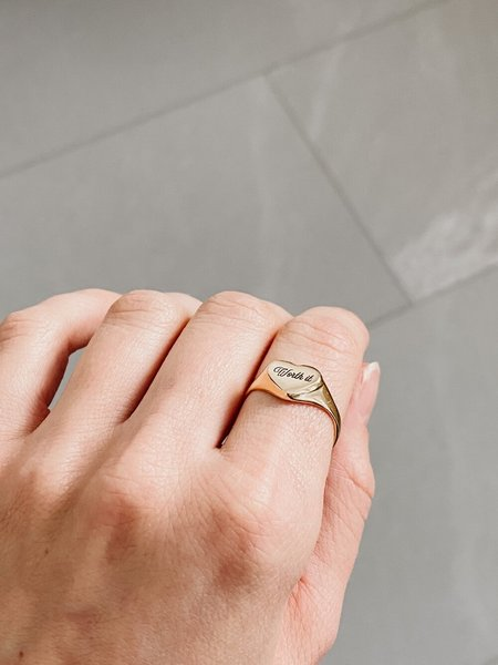 Oneiro Worth It Ring - Gold