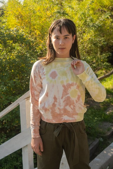 back beat rags Hemp Crop Sweatshirt - Peach/Lime Swirl