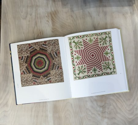 """Museum of Fine Arts """"Quilts and Color"""" by Pamela A. Parmal and Jennifer M. Swope Book"""