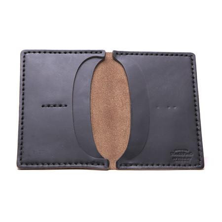 Unisex Wood&Faulk Black Traveler Wallet