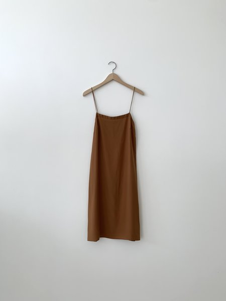 Kamperett Short Silk Slip - Caramel