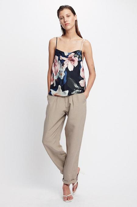 Silk Laundry STRAIGHT NECK CAMI - LILIES