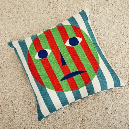 Dusen Dusen Face Embroidered Pillow