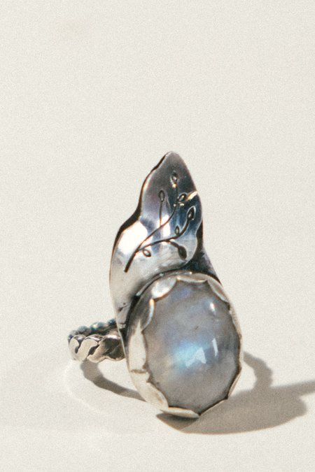 Pigeon Heart Rainbow Moonstone and Leaf Ring - sterling silver