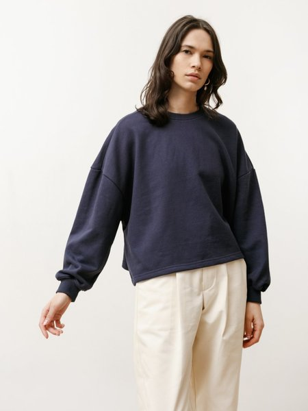 Priory Classic Lightweight Terry Crew sweater - Navy