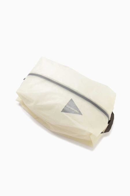 And Wander sil stuffsack large - Off White