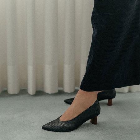 Coclico Wumo Salmon Skin Heel Salmon Pitch shoes - black