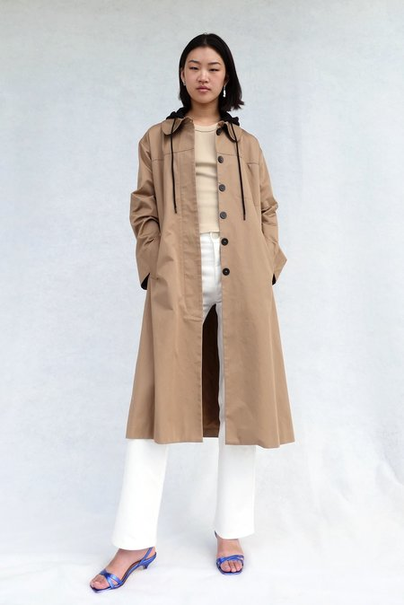 LOCLAIRE Reefs Trench Coat - Tan