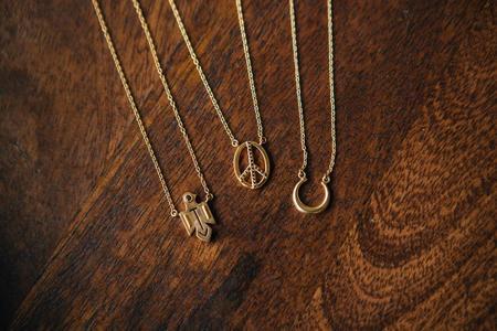 Sierra Winter Jewelry Peace Necklace - Gold Vermeil/Black Spinel