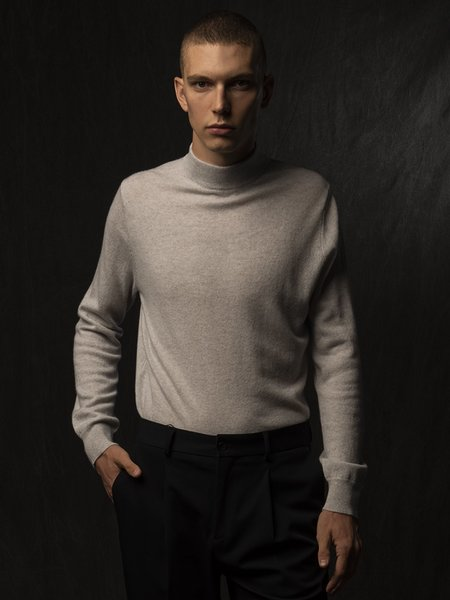 PURECASHMERE NYC Men Mockneck Sweater - Light Grey