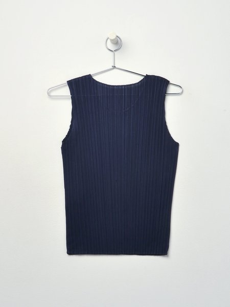 Pleats Please by Issey Miyake New Colorful Sleeveless Basics top - 75-NAVY