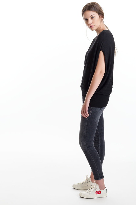 Paychi Guh Cashmere Curved Popover - Black