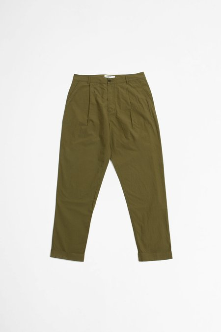 Universal Works Pleated ripstop pant - olive