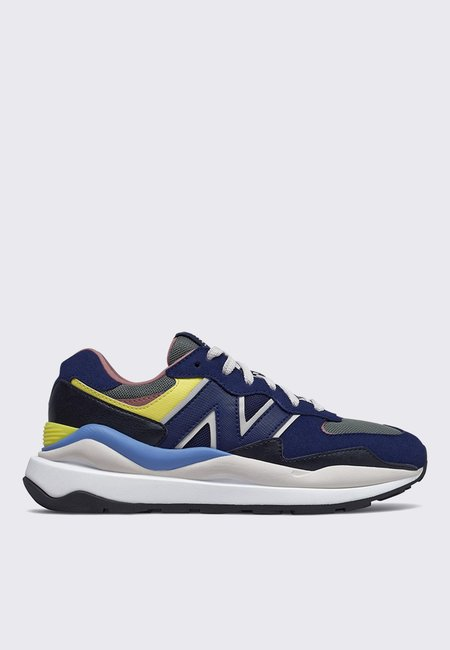UNISEX New Balance 57/40 Sneakers- black/yellow/blue
