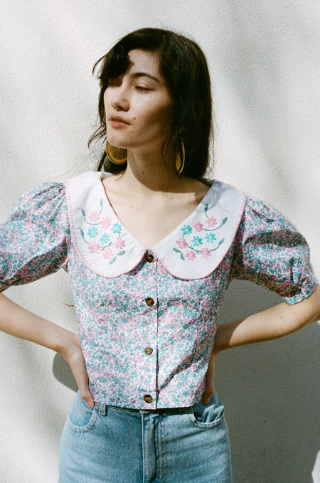 TACH CLOTHING Catia Cropped top - Floral Shirt