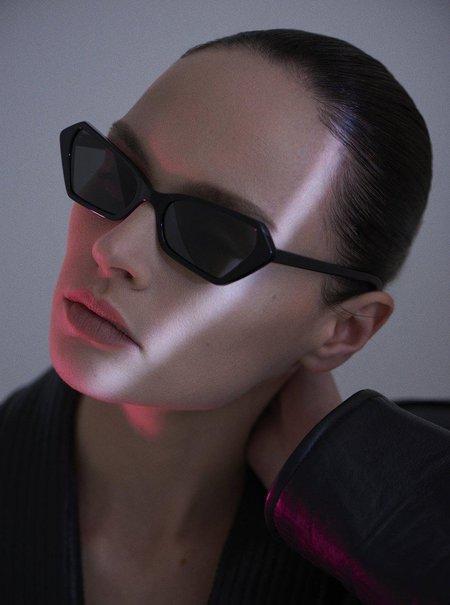 CARLA COLOUR Battu Sunglasses - Midnight