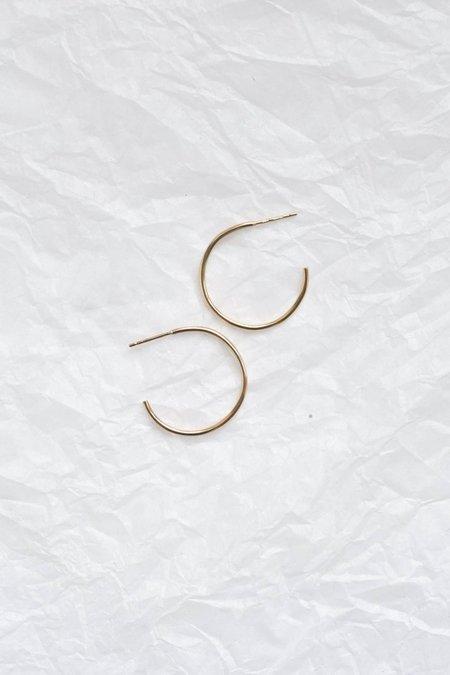Wild Fawn medium delicate hoop earrings - gold