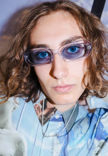 UNISEX Perks and Mini X Poms Nu/Age Retta Sunglasses - clear grey