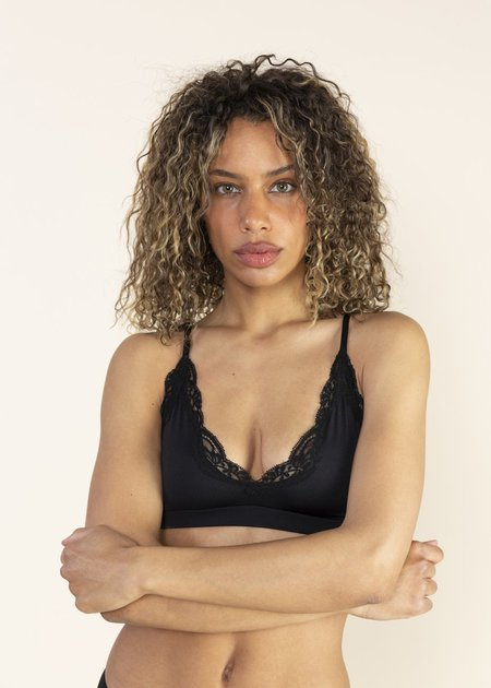 Only Hearts Delicious Hi Point Bralette - Black