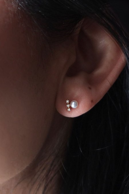 n+a new york Bar Earrings - Pearl/Diamond