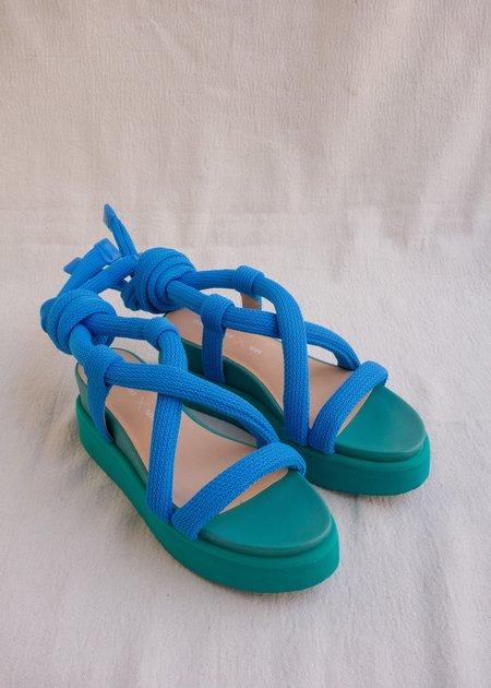Issey Miyake x un Node sandals - blue