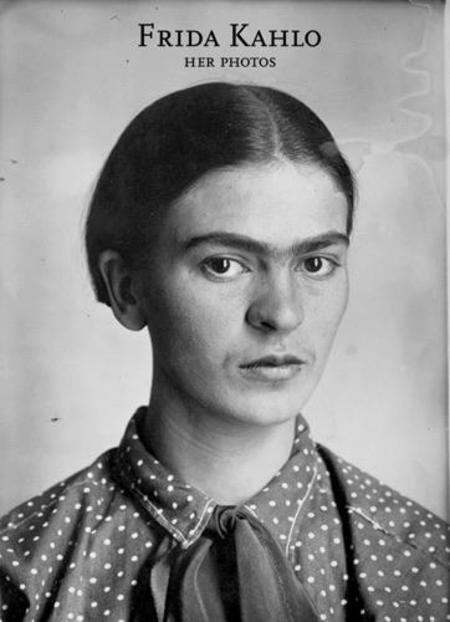 RM Frida Kahlo: Her Photos Books
