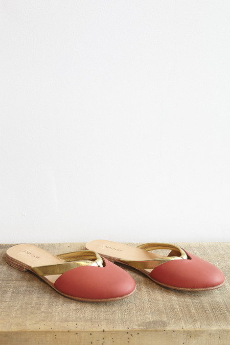A Détacher Joni Sandal in Red/Gold Leather