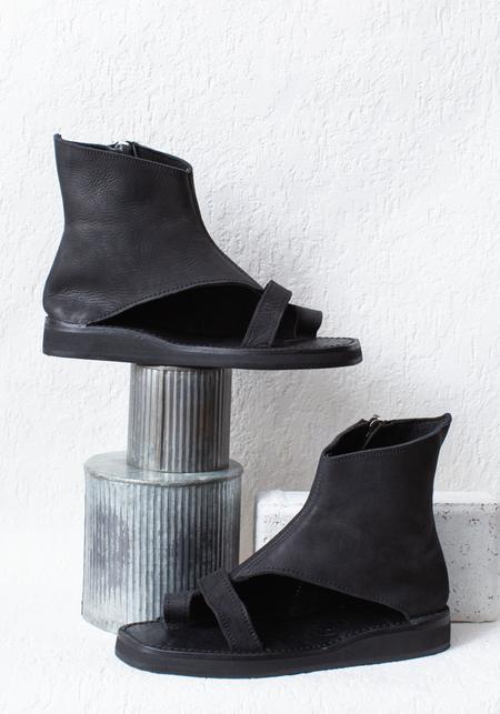Bread & Butter Leather Side Zip Toe Loop Sandal - black