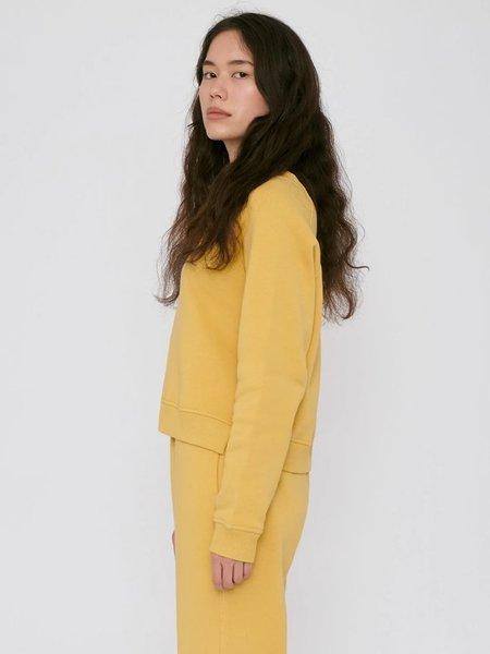 Organic Basics Cropped Sweatshirt - Mustard