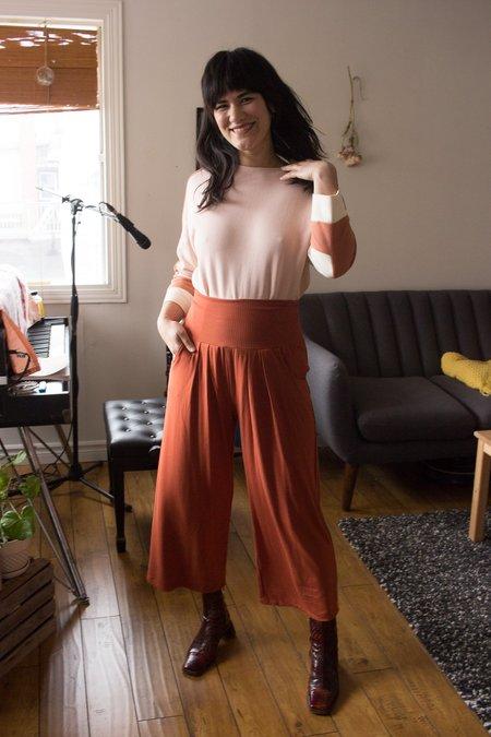Meemoza Bo Crop Pants - Burnt Orange