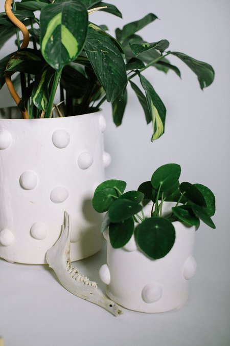 Crybaby clay Bumpy Planters - White