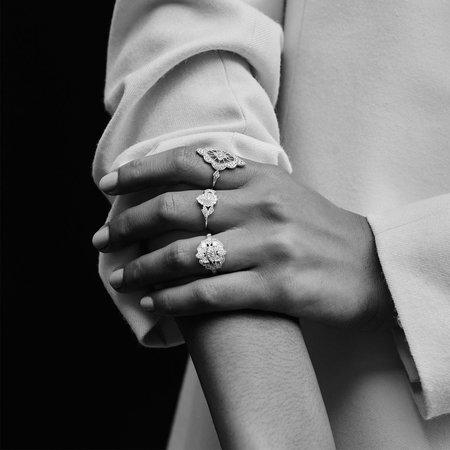 Stone Paris Favorite Simple Ring