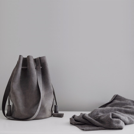 BOUTONNÉ CINCHED BUCKET TOTE