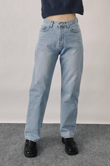 Understanding Straight Jeans - Light Blue