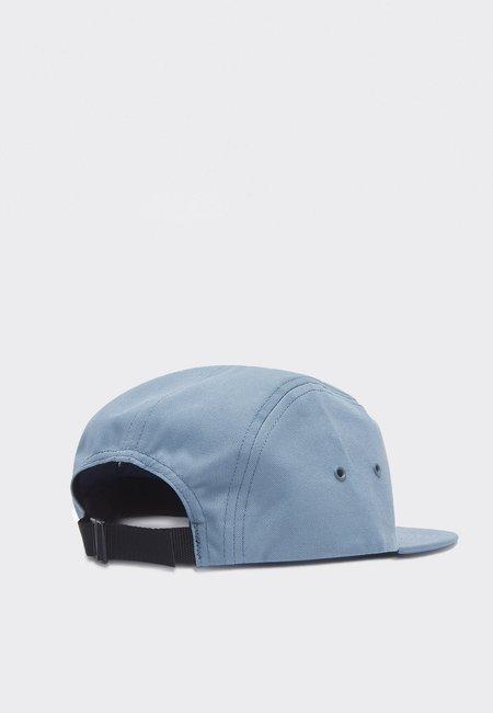 BY PARRA Fancy Logo Volley Hat - dusty blue
