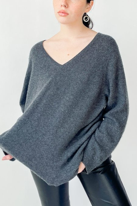 Vintage Cashmere Sweater - Charcoal